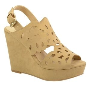 CLOSEOUT SALE!New! Chinese Laundry Cut Out Wedge